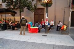 regalem-conversa-al-carrer-de-forma-informal